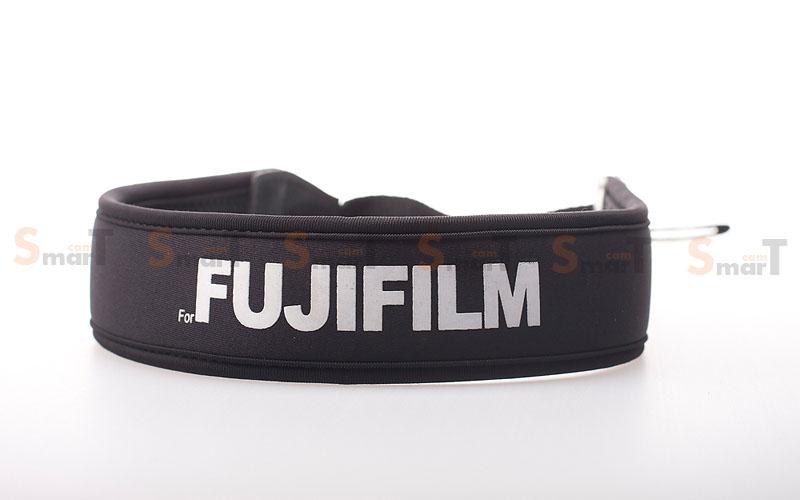 สายคล้องกล้อง Fuji White on Black Neck Strap Neoprene