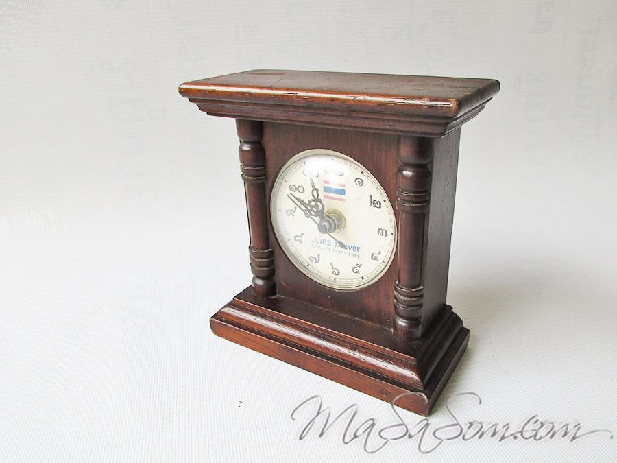 นาฬิกาตั้งโต๊ะไม้สัก ที่ระลึกจาก Kingpower